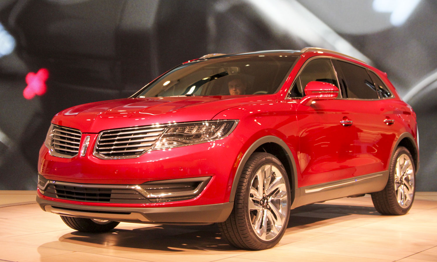 2016 Lincoln MKX (c) Perry Stern