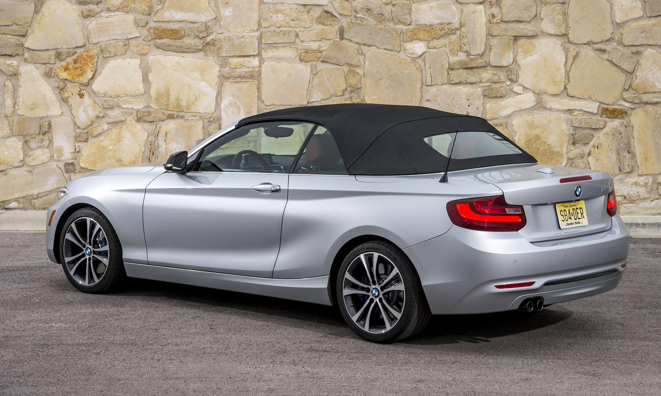 2015 bmw 2 series convertible review autonxt. Black Bedroom Furniture Sets. Home Design Ideas