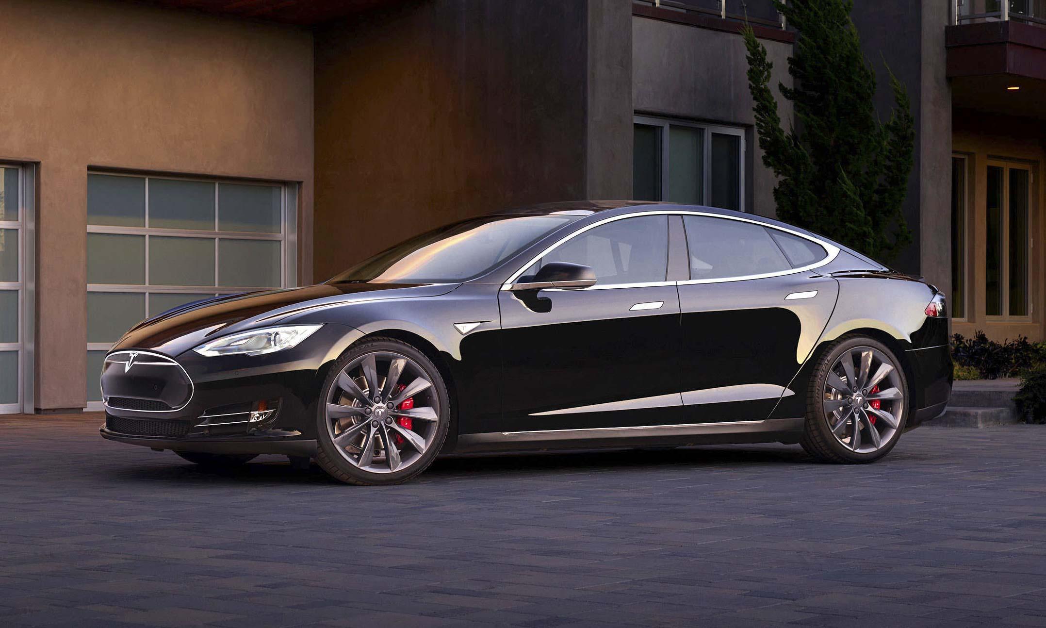 © Tesla Motors