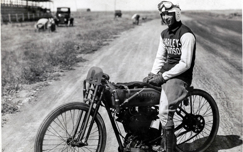 Harley Riders: Harley-Davidson: A Rolling Retrospective