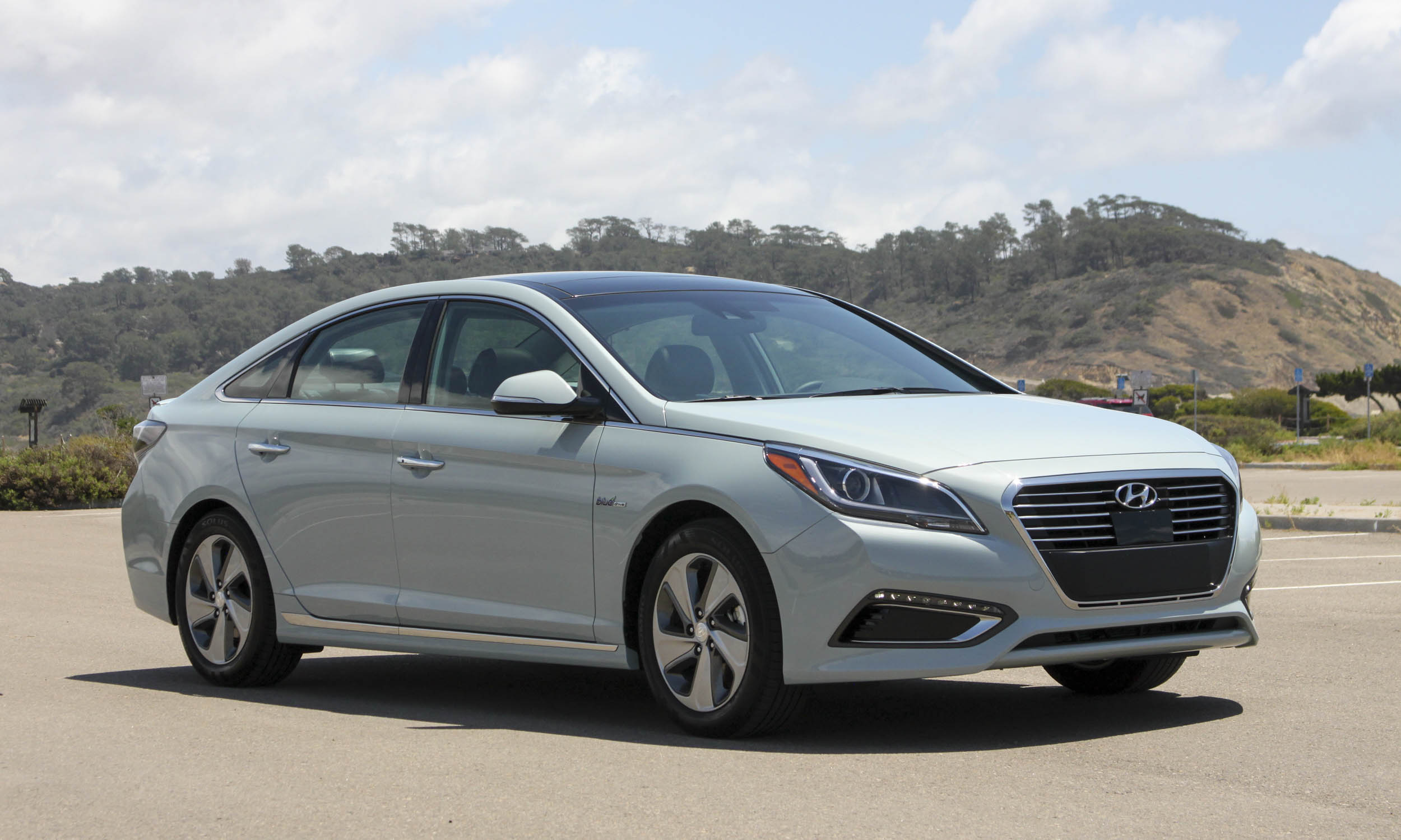 middle sonata reviews specs pricesmotoring review east hyundai new and
