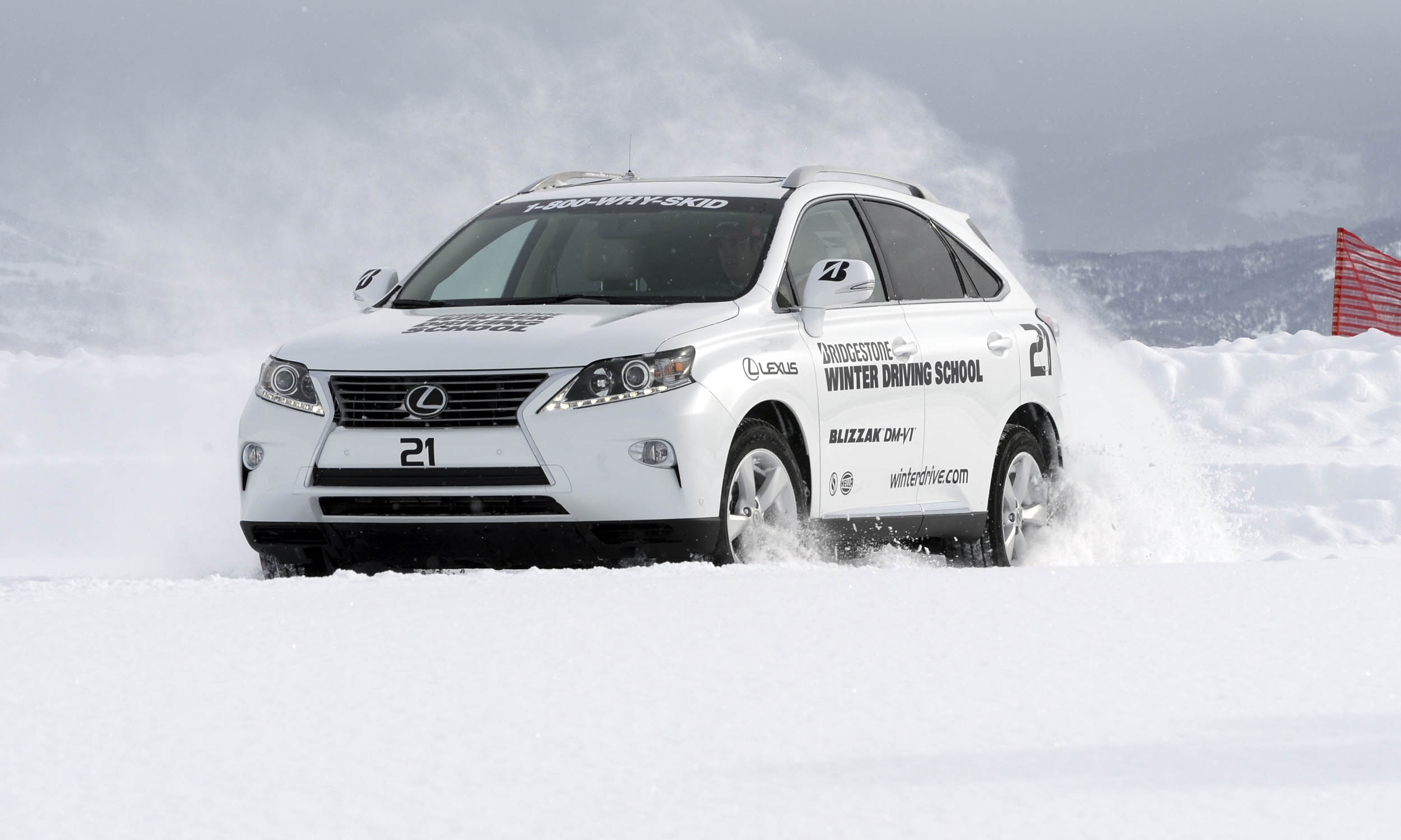 © Bridgestone Winter Driving School