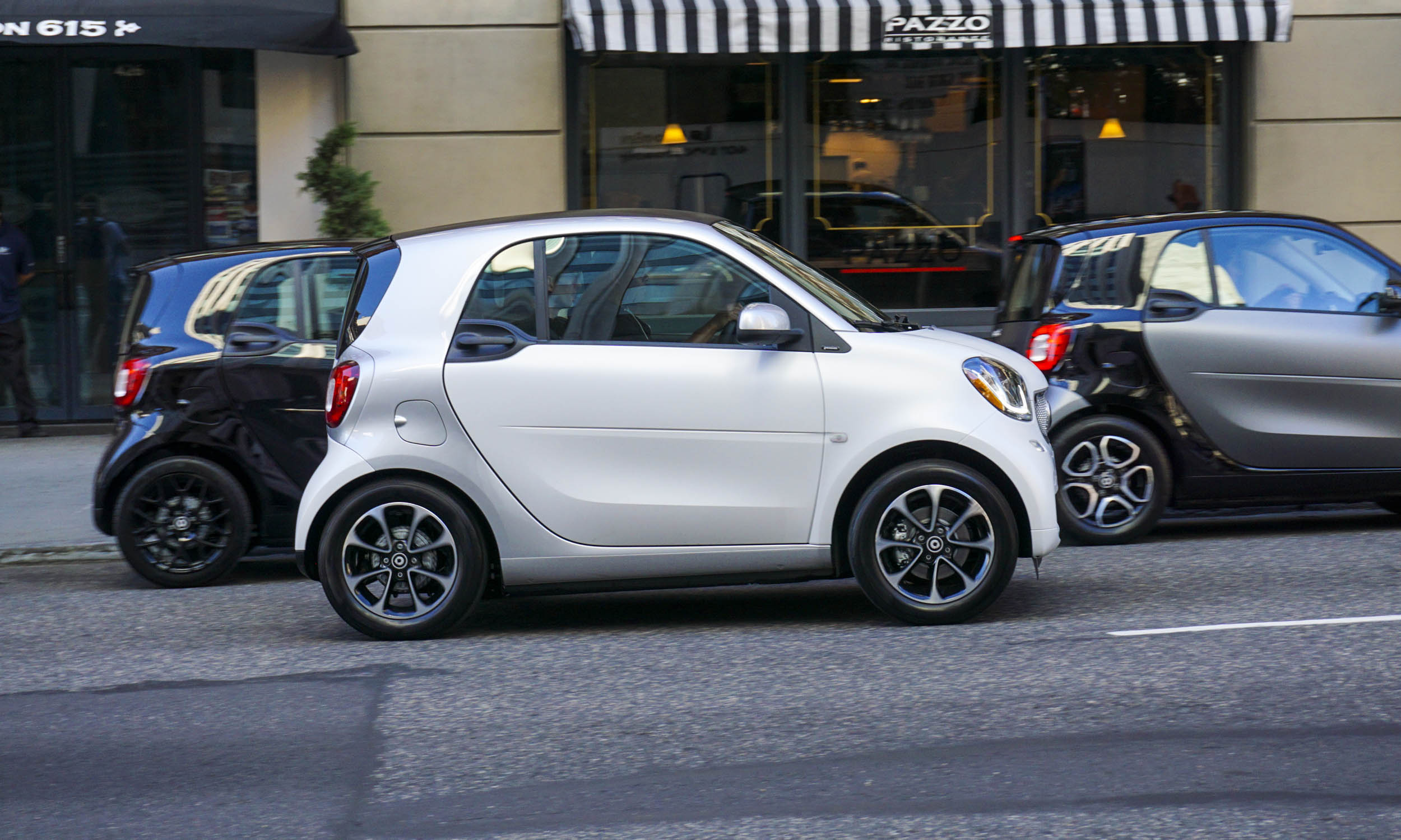2016 smart fortwo first drive review autonxt. Black Bedroom Furniture Sets. Home Design Ideas