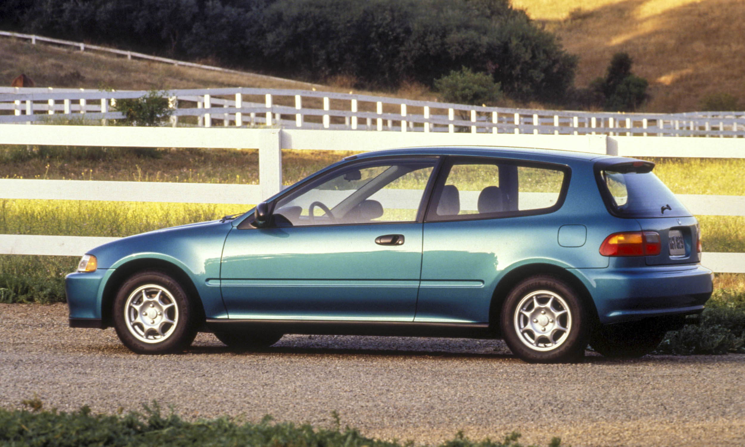 Most fuel efficient cars of the last 25 years autonxt for 1992 honda hatchback