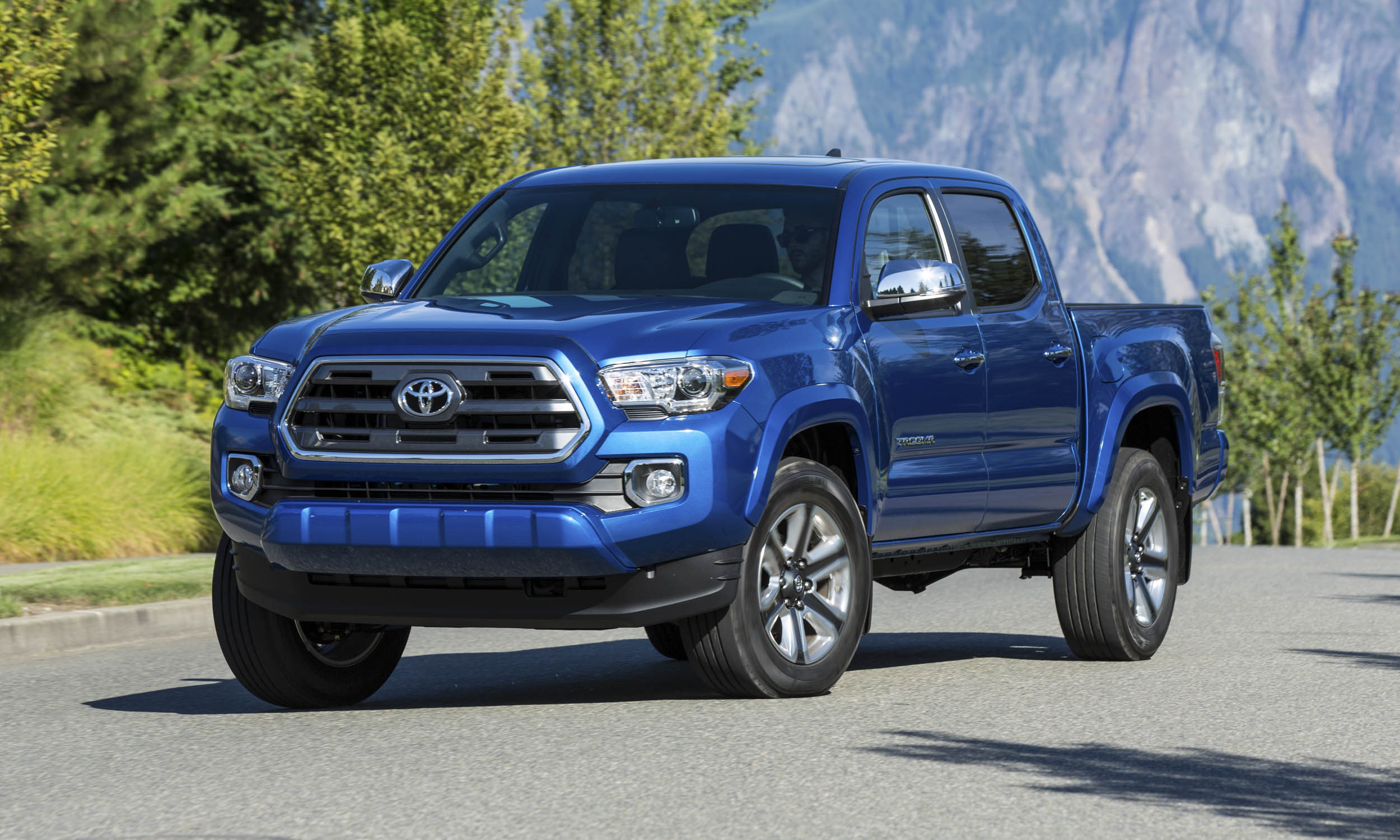 2016 toyota tacoma first drive review autonxt. Black Bedroom Furniture Sets. Home Design Ideas