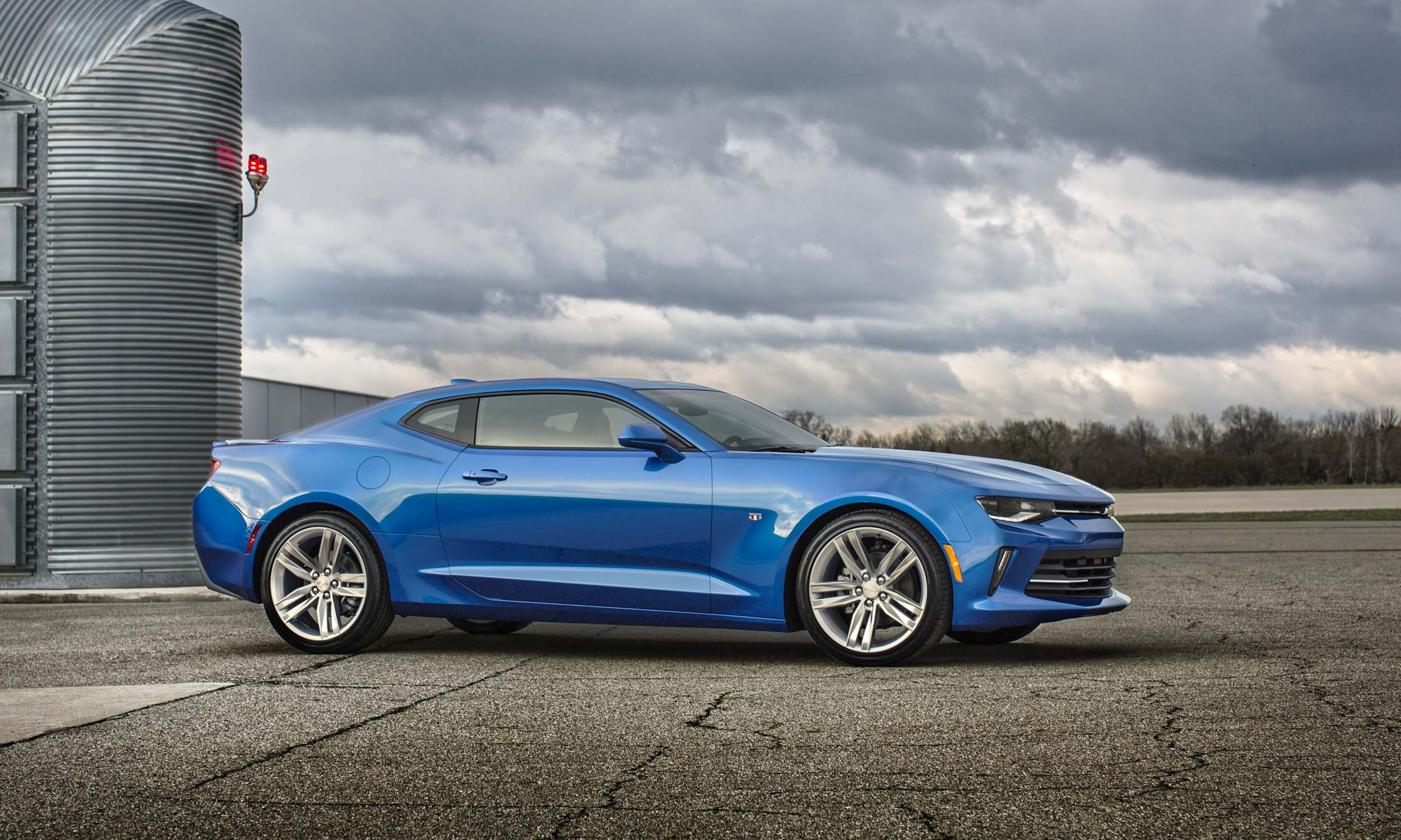 2016 chevrolet camaro first drive review autonxt. Black Bedroom Furniture Sets. Home Design Ideas