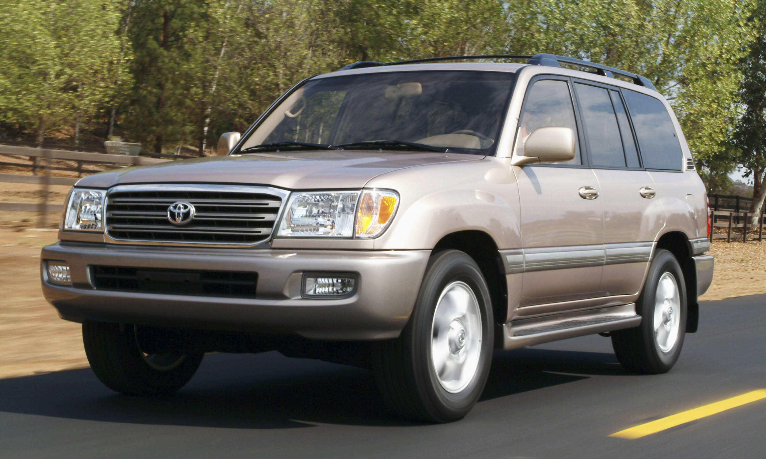 Kelebihan Toyota Land Cruiser 2003 Top Model Tahun Ini