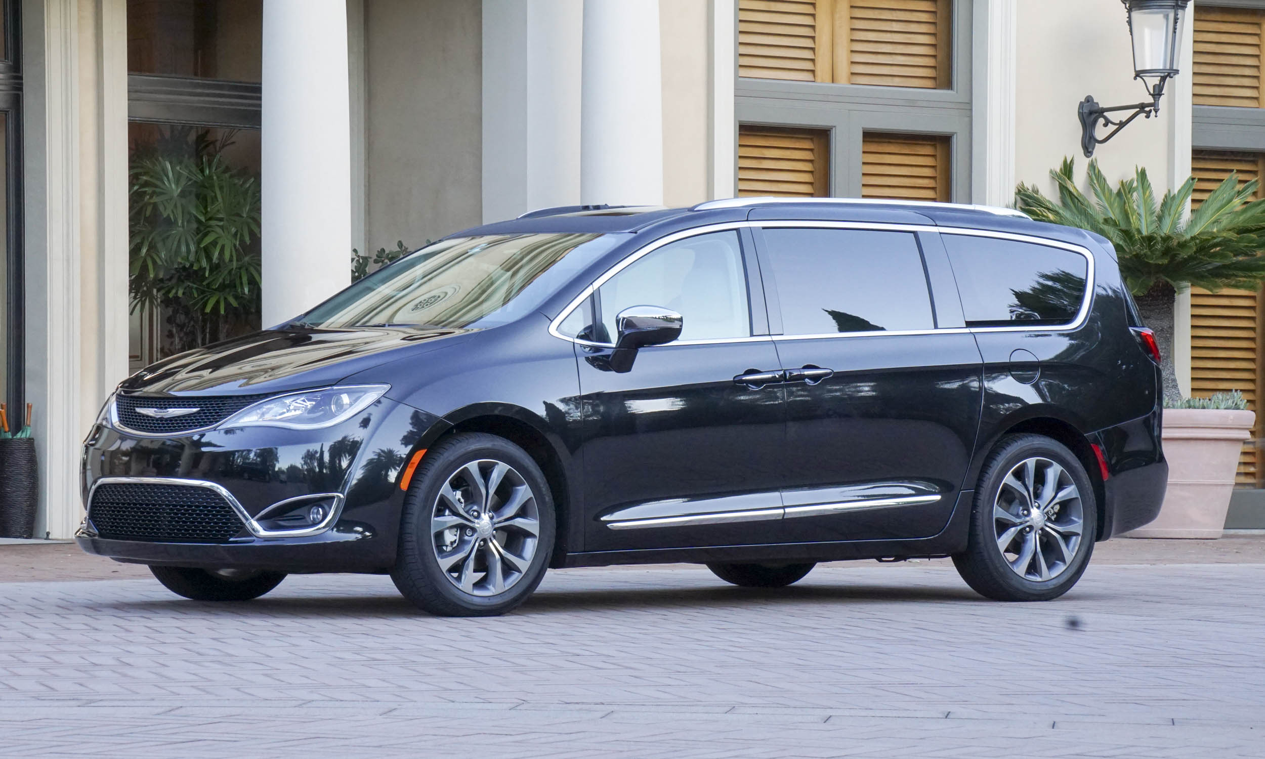 Excellent 2017 Chrysler Pacifica First Drive Review  AutoNXT