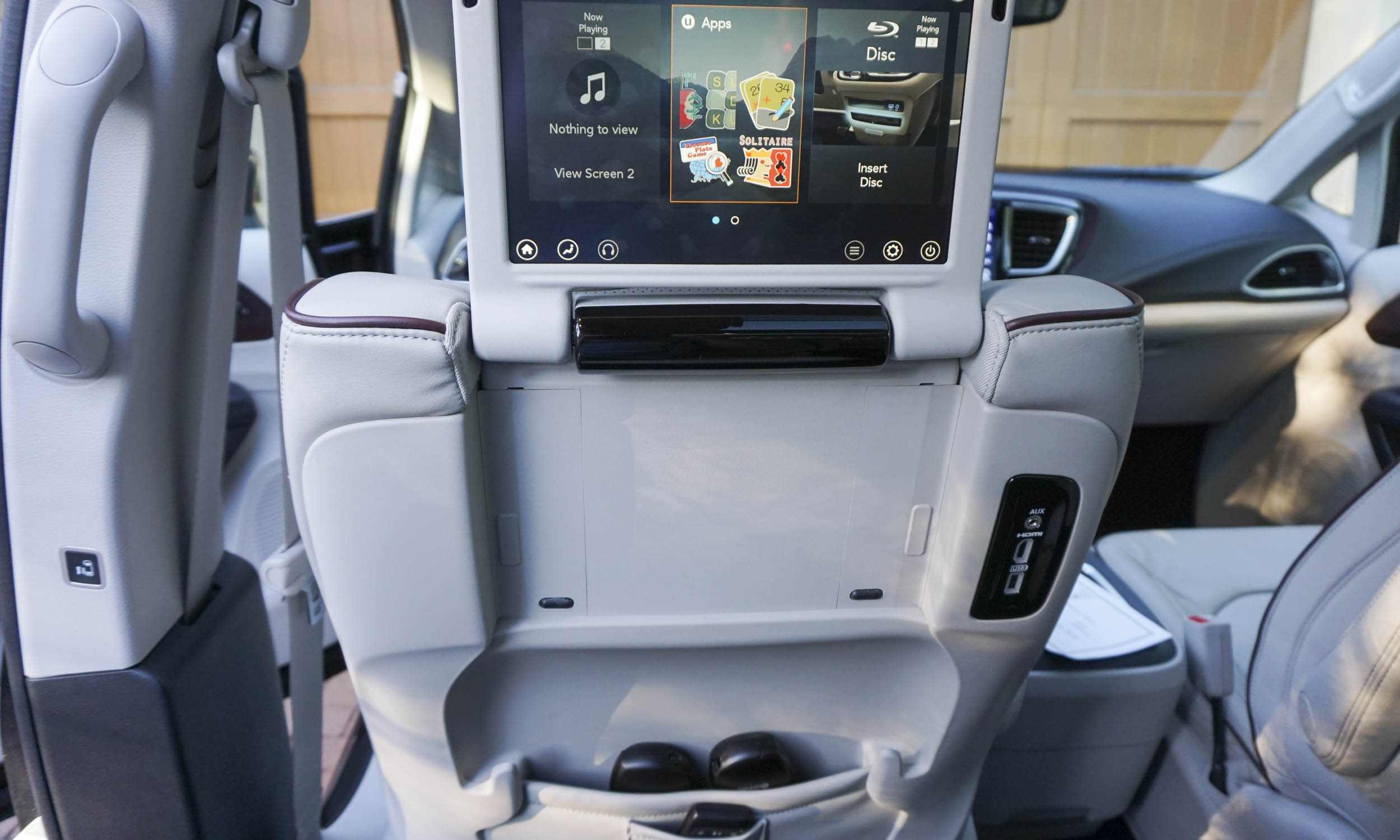 2017 chrysler pacifica hybrid first drive review autonxt. Black Bedroom Furniture Sets. Home Design Ideas