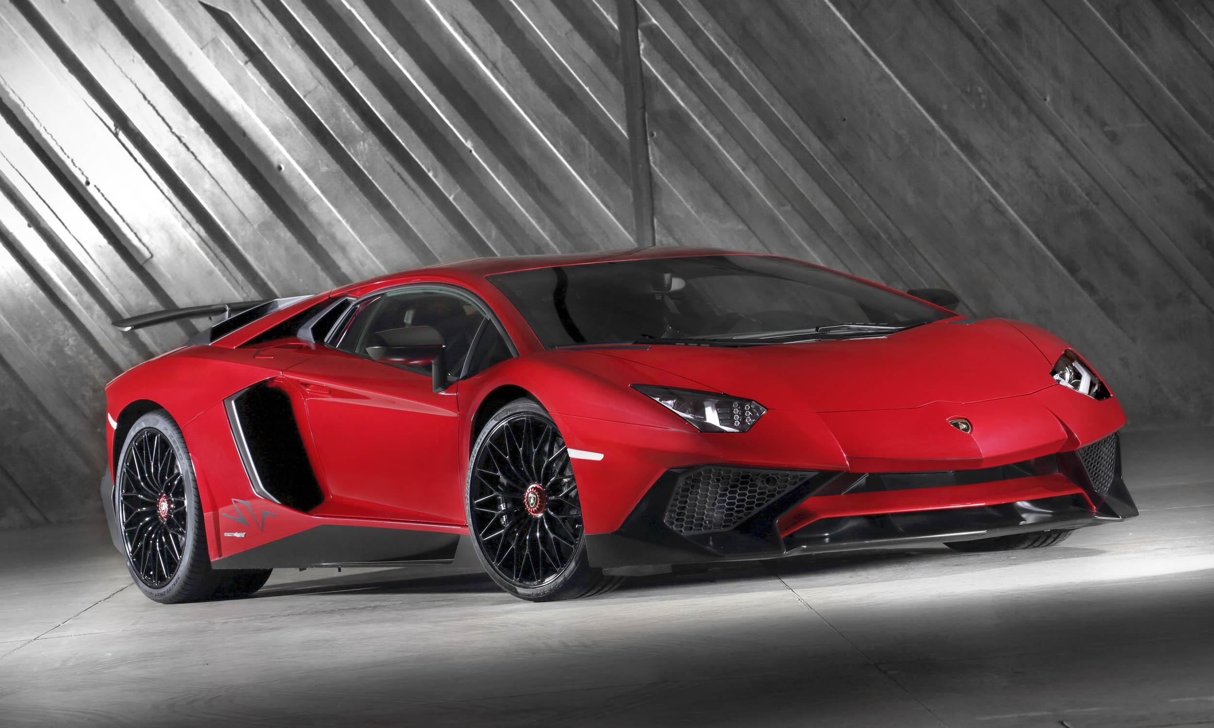? Automobili Lamborghini