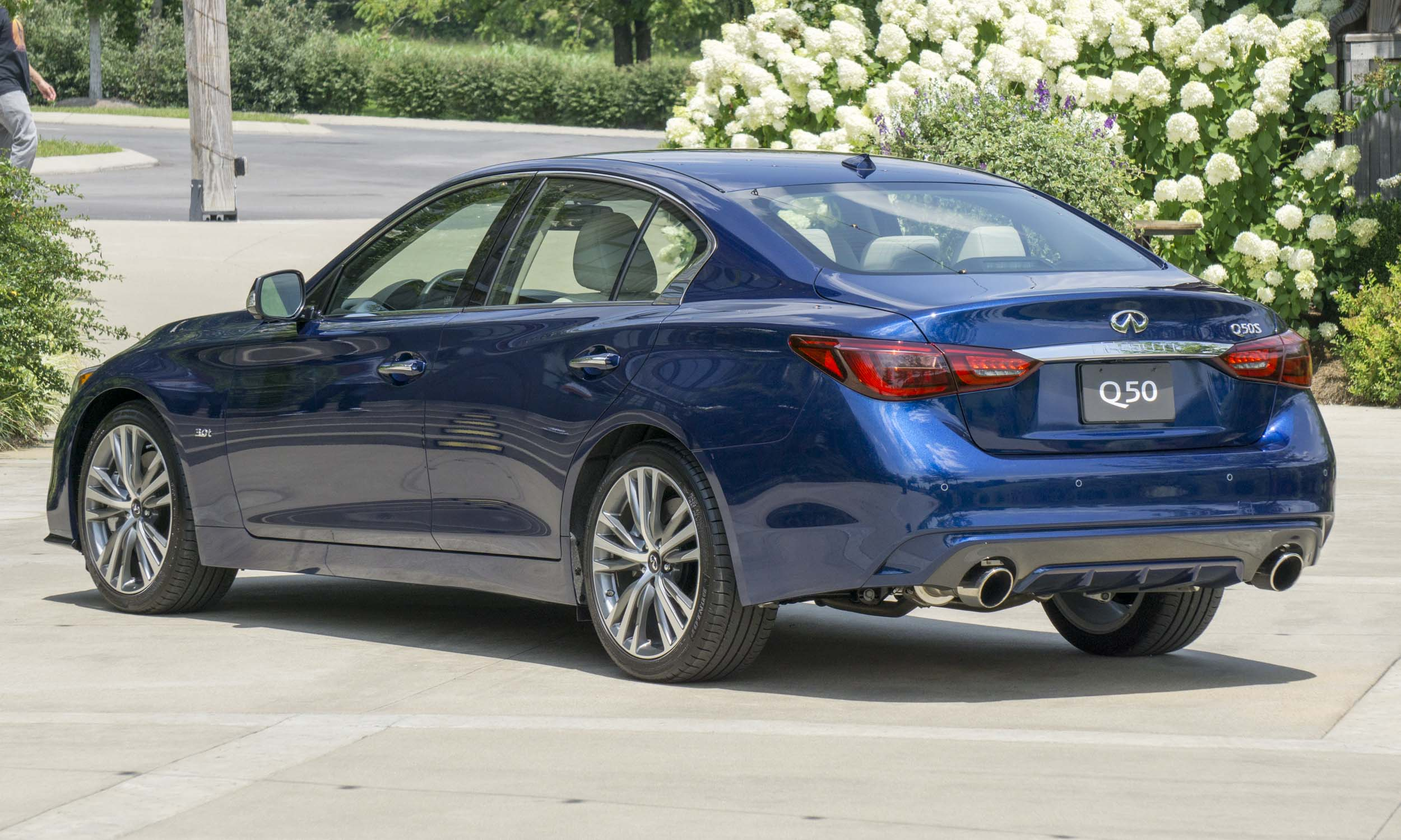 Perry Stern Automotive Content Experience Q50 Hybrid Luxe