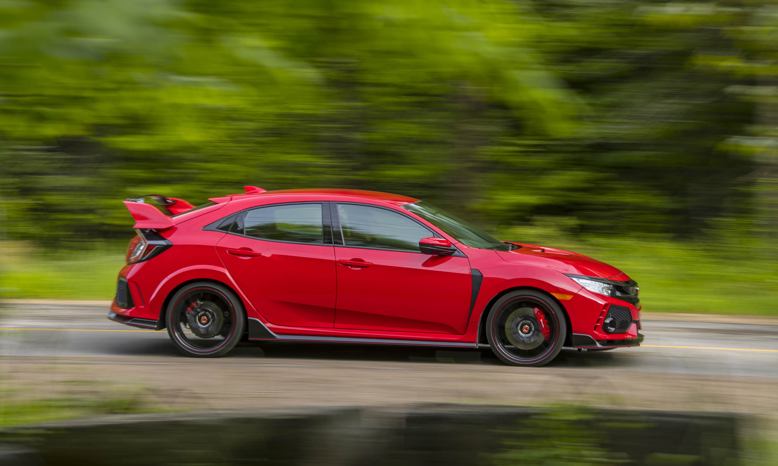 2017 honda civic type r first drive review autonxt. Black Bedroom Furniture Sets. Home Design Ideas