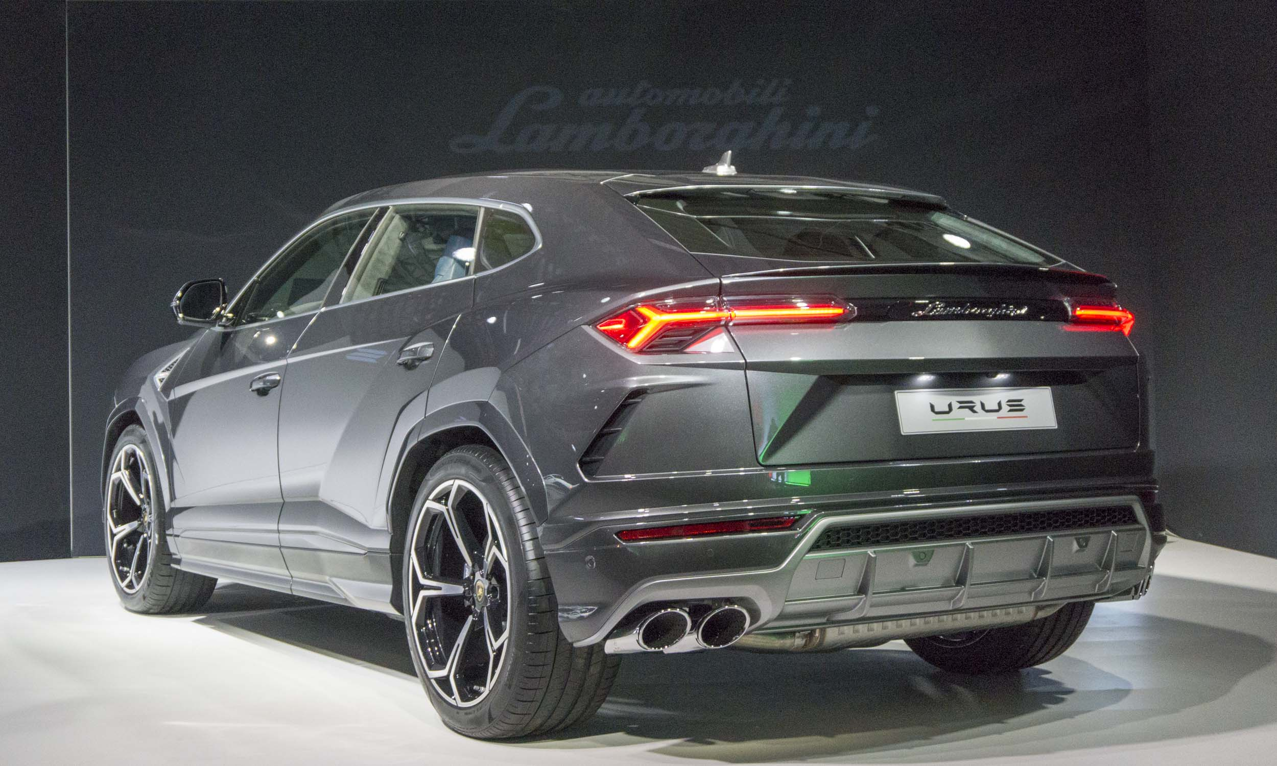 2018 Lamborghini Suv New Cars Upcoming 2019 2020