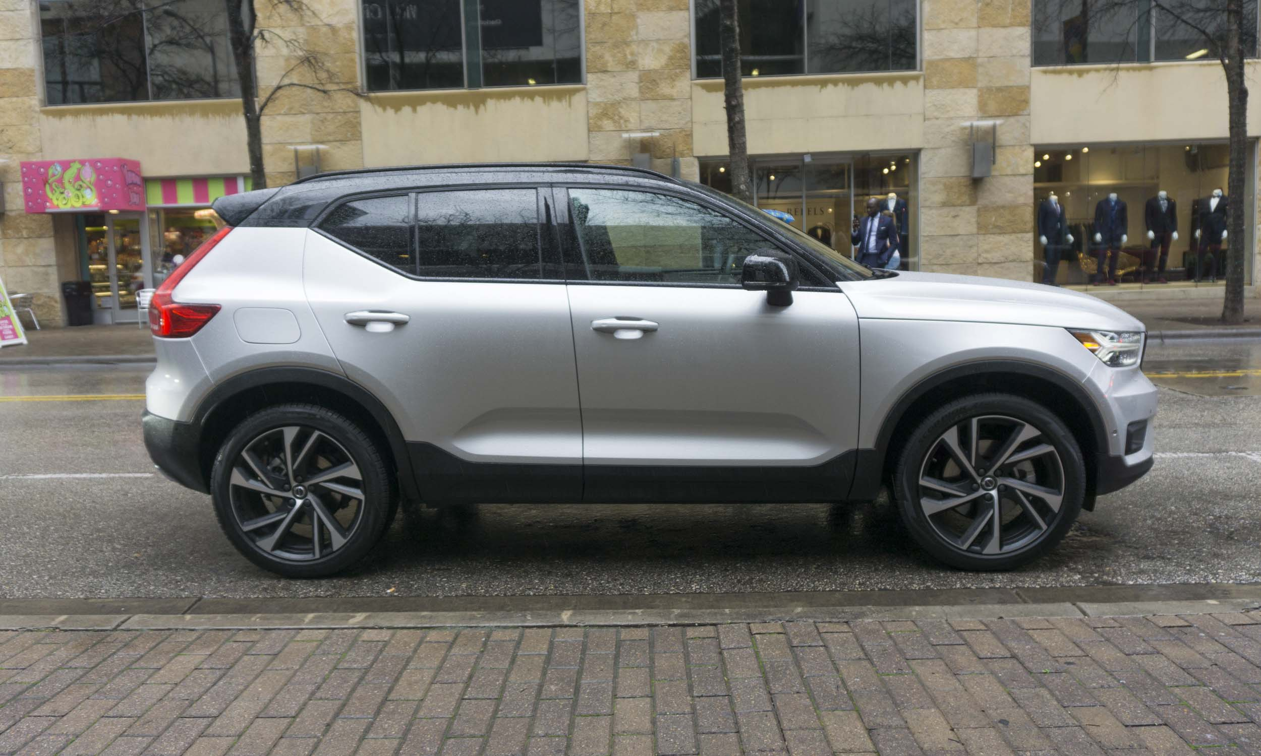 2019 volvo xc40 first drive review autonxt. Black Bedroom Furniture Sets. Home Design Ideas