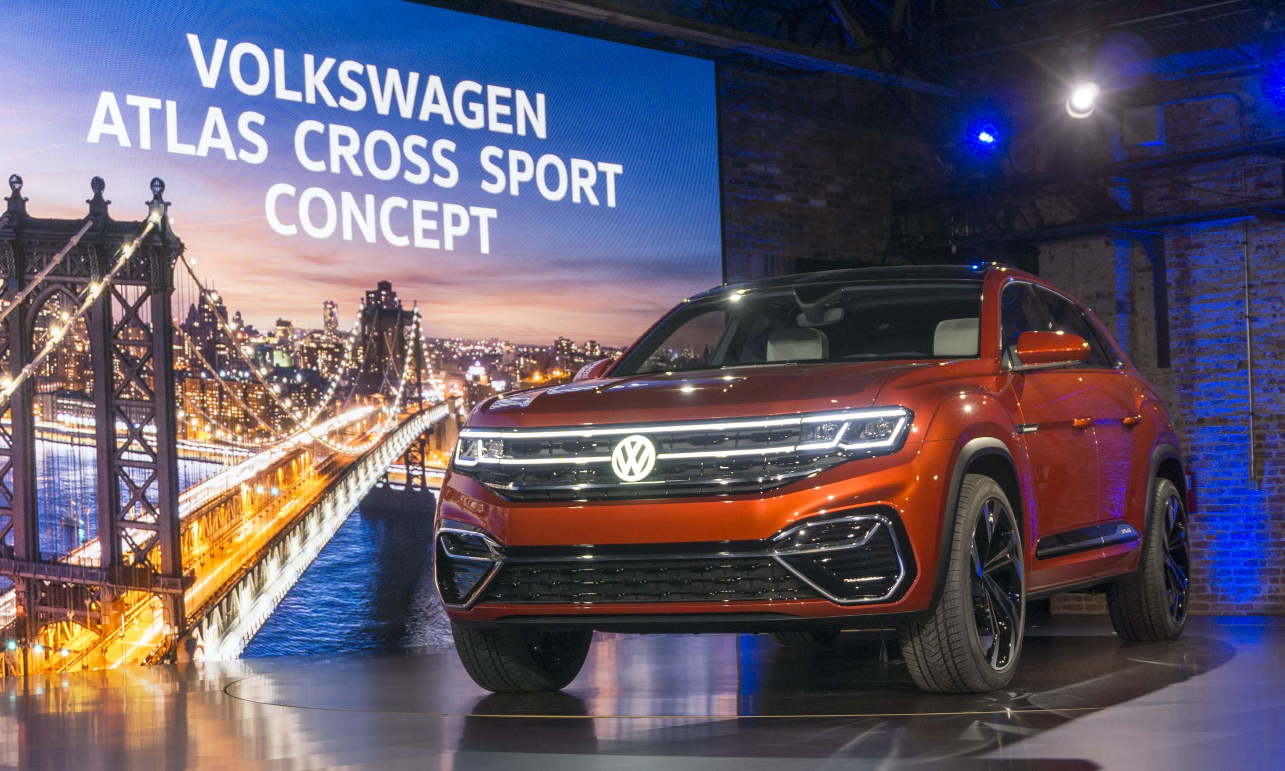 Atlas 5 Passenger Concept. Aggressive Styling. 2018 New York Auto Show: VW  Atlas Cross Sport Concept ...