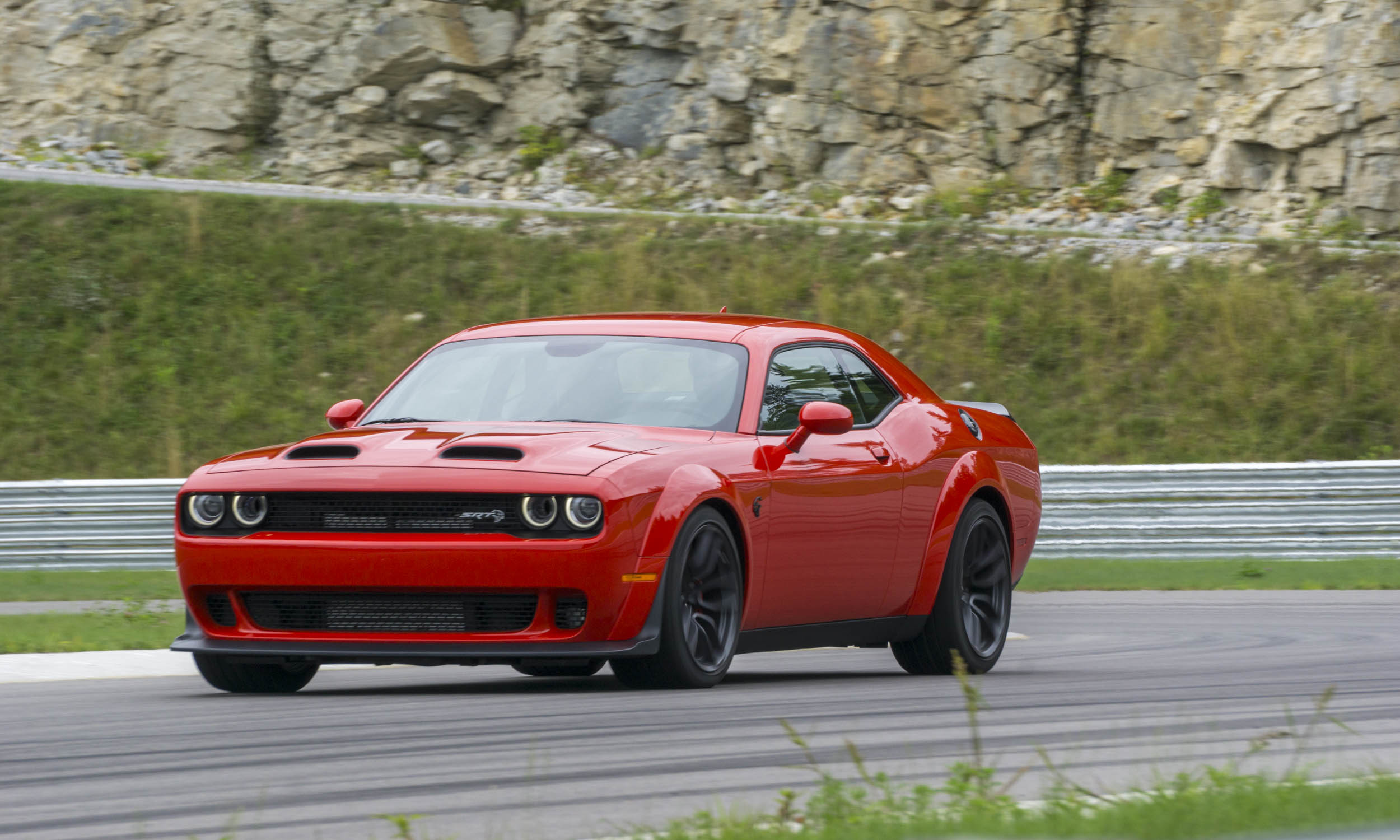 2019 dodge challenger hellcat redeye first drive review. Black Bedroom Furniture Sets. Home Design Ideas