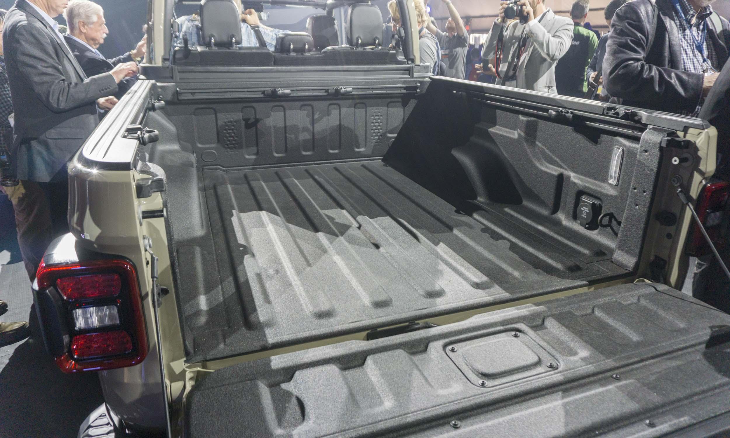 2018 L A Auto Show 2020 Jeep Gladiator 187 Autonxt