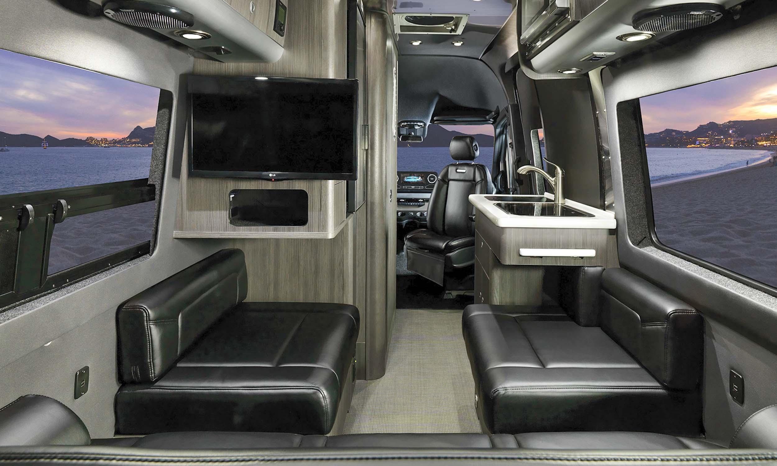 Airstream Interstate Nineteen