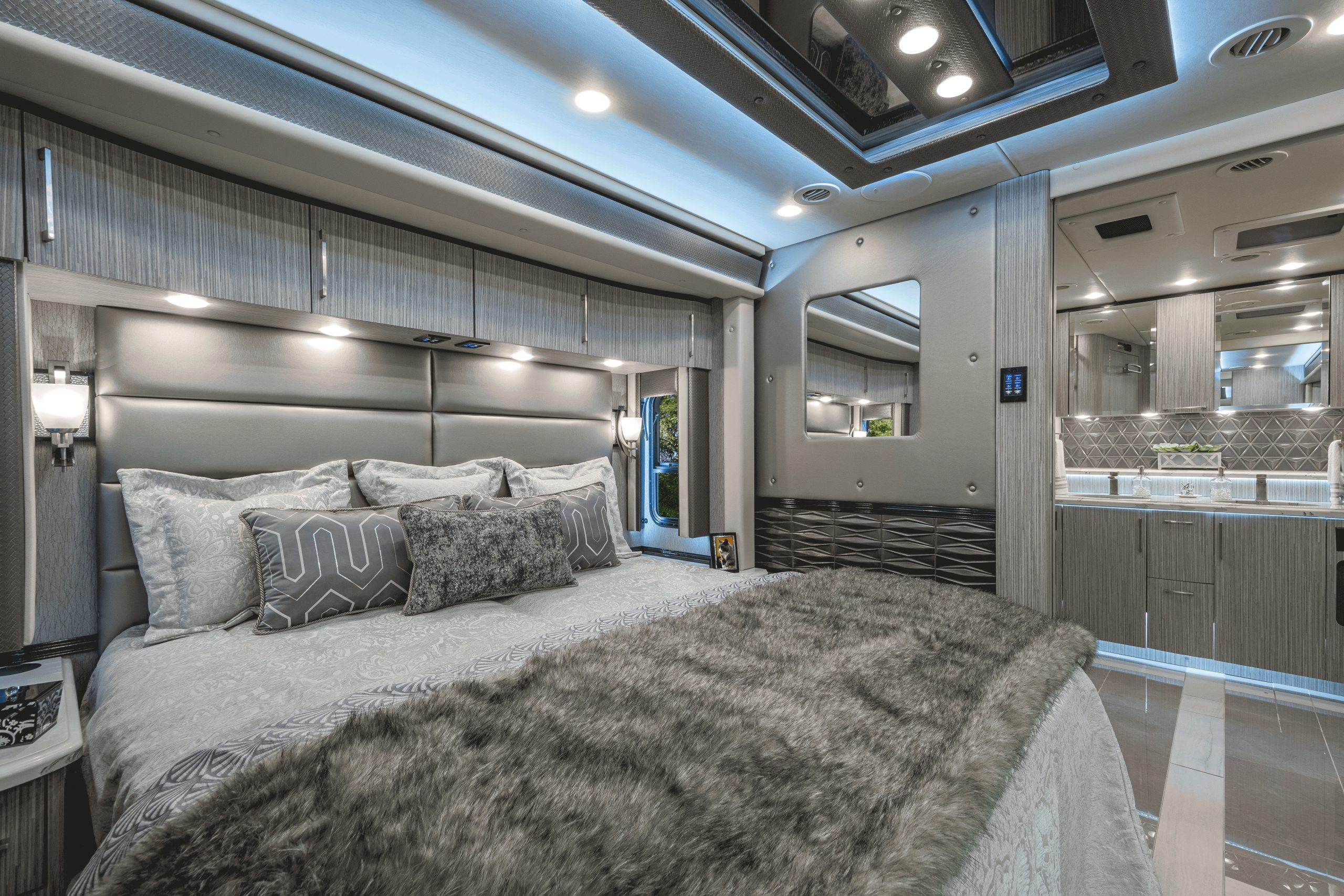 Picture of: These Luxury Rvs Are The Ultimate Escape Autonxt
